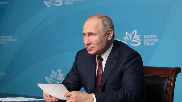 Президент РФ Владимир Путин в режиме видеоконференции принимает участие в церемонии открытия социальных объектов образования в Республике Дагестан
