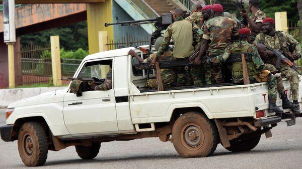 Военнослужащие Вооруженных сил Гвинеи в центральном районе Конакри