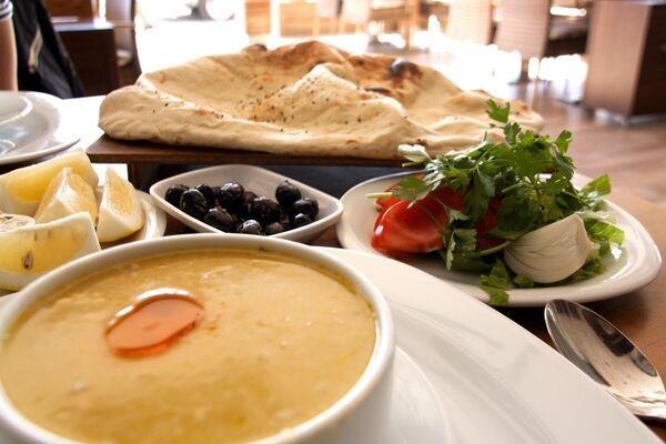 Ужин в Алании: Турецкое мезе и суп