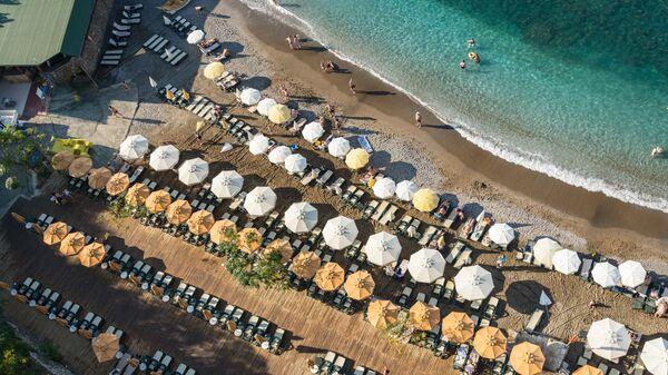 Пляж в городе Аланья, Турция