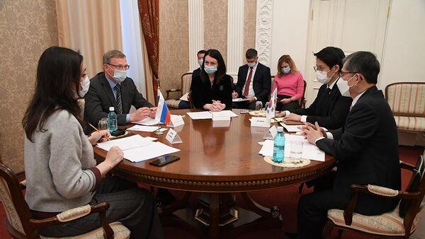 Встреча губернатора Александра Буркова и мэра Оксаны Фадиной с генеральным консулом Республики Корея Ким Се Уном