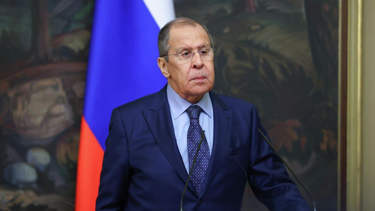 Лавров: Украина все время что-то клянчит