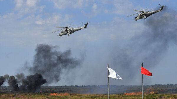 Вертолеты Ми-24 на совместных стратегических учениях вооруженных сил России и Белоруссии Запад -2021 на полигоне Правдинский в Калининградской области