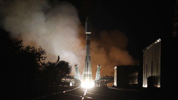 Пуск ракеты-носителя Союз-2.1б с разгонным блоком Фрегат и 34 космическими аппаратами спутниковой компании OneWeb с космодрома Байконур. 15 сентября 2021