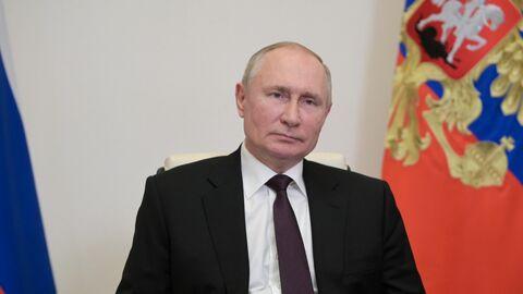 Президент РФ Владимир Путин проводит встречу в формате видеоконференции с главой Республики Адыгея Муратом Кумпиловым