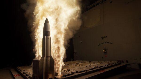 Управляемая ракета Standard Missile-3 во время испытаний агентства противоракетной обороны и ВМС США в Тихом океане