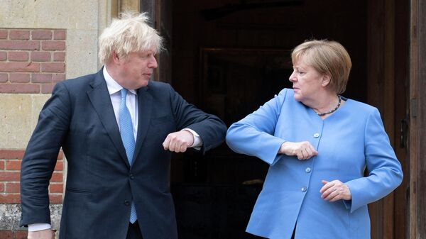 Канцлер Германии Ангела Меркель и премьер-министр Великобритании Борис Джонсон