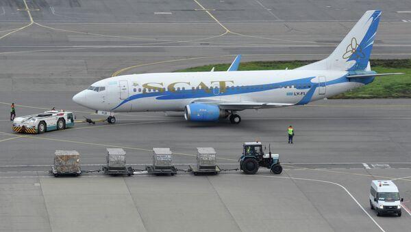Пассажирский самолет Боинг-757 казахстанской авиакомпании SCAT. Архивное фото