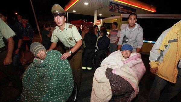 Эвакуация населения в ряде районов Чили и Перу, на которые обрушилось цунами