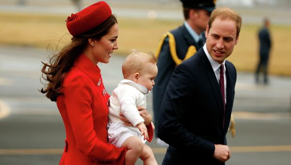Принц Уильям со своей женой герцогиней Кембриджской Кейт и сыном принцем Джорджем во время поездки в Новую Зеландию