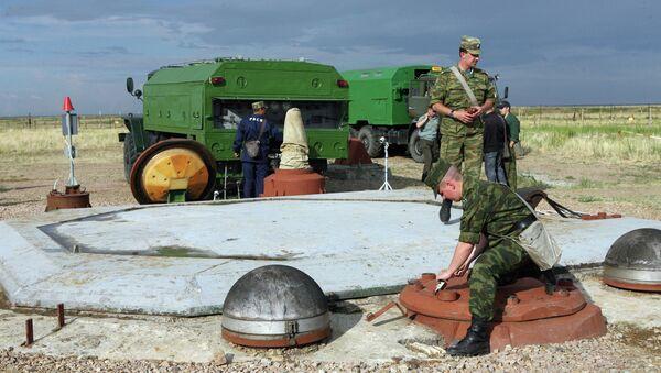 Подготовка к запуску ракеты РС-20 (Воевода), архивное фото