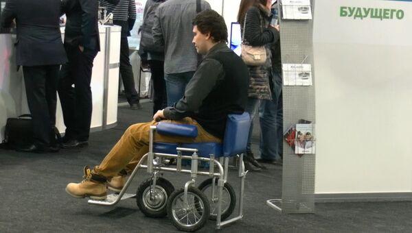 Идеи молодых: ученые создали узкое кресло-трансформер для инвалидов