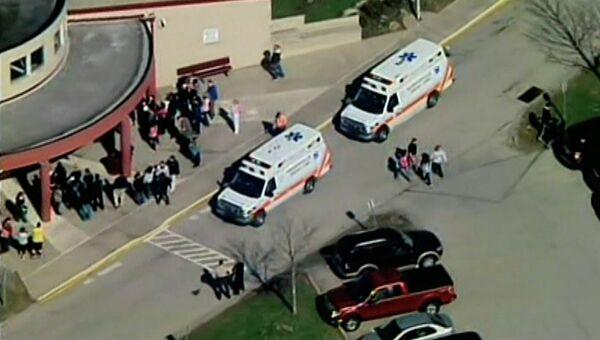 На месте стрельбы в школе штата Пенсильвания, США