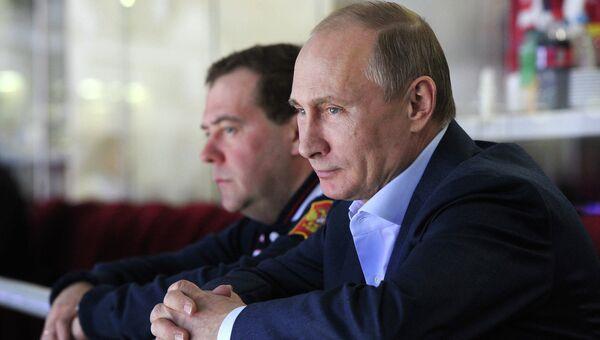 Президент России Владимир Путин и председатель правительства России Дмитрий Медведев. Архивное фото