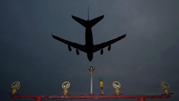 Самолет заходит на посадку в аэропорту Шереметьево. Архивное фото