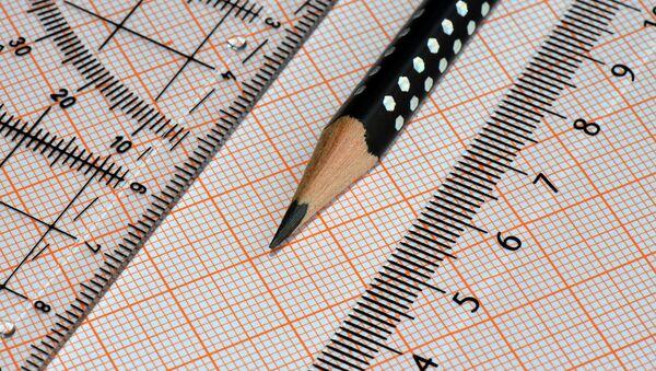 Миллиметровая бумага, карандаш и линейка