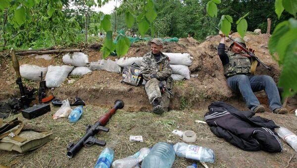 Бойцы самообороны Луганской народной республики