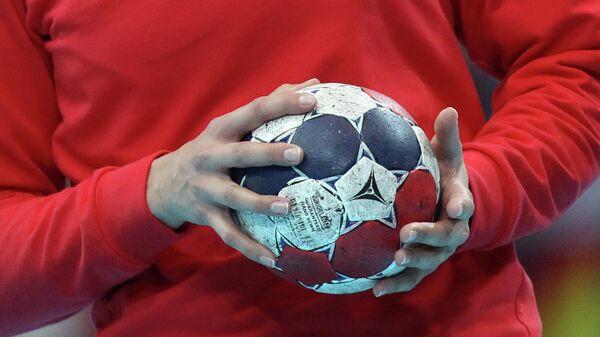 Гандбольный мяч, архивное фото