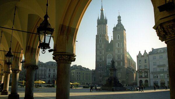 Вид на церковь Успения Пресвятой Девы Марии в Кракове