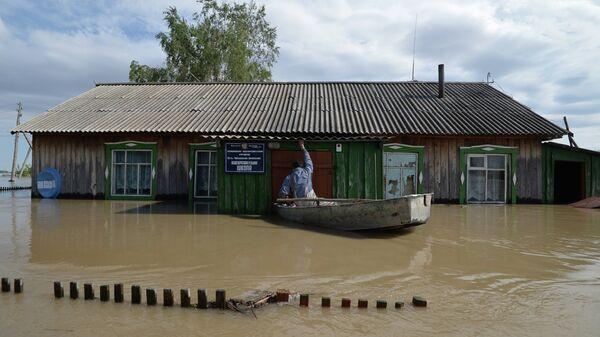 Школа, пострадавшая от паводка
