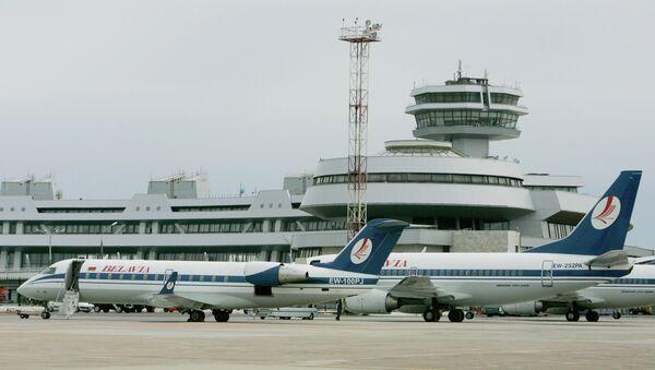 Внешний вид здания национального аэропорта Минска, архивное фото