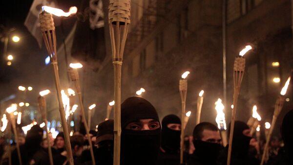 Украинские националисты во время шествия на площади Независимости в Киеве. Архивное фото.