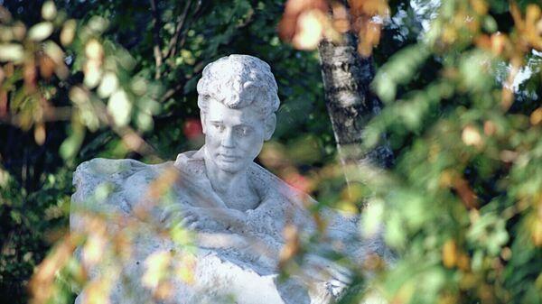 Памятник С.Есенину в Константиново
