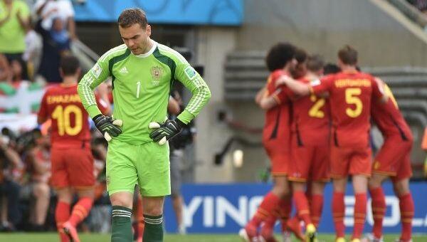 Вратарь сборной России Игорь Акинфеев в матче группового этапа чемпионата мира по футболу 2014 между сборными командами Бельгии и России.