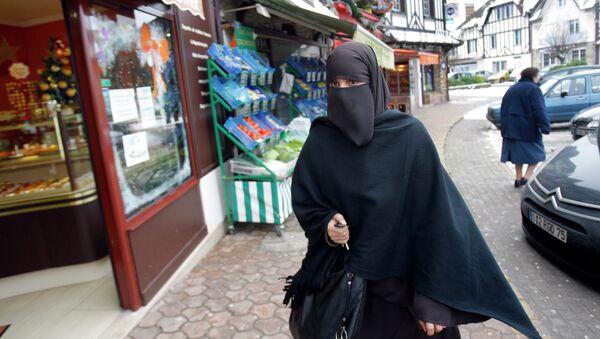 Женщина в никабе. Архивное фото