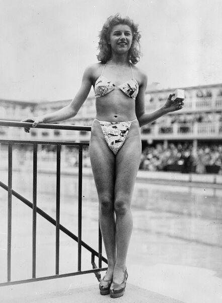 Бикини, новый купальный костюм, 1946 год