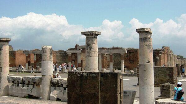 Руины древнего города Помпеи в Италии