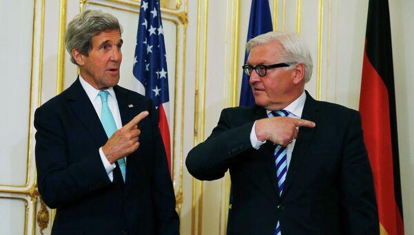 Госсекретарь США Джон Керри и глава МИД ФРГ Франк-Вальтер Штайнмайер перед двусторонней встречей в Вене