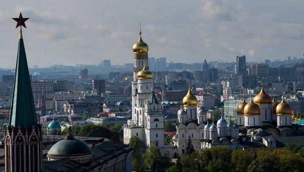 Вид на Успенский, Архангельский соборы и колокольню Ивана Великого в Москве
