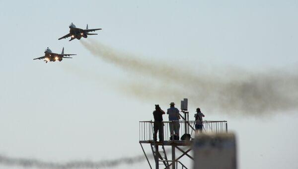 Международный конкурс воздушной выучки летных экипажей Авиадартс. Архивное фото