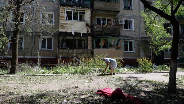 Разрушенный жилой дом в Донецкой области. 30 июля 2014 года