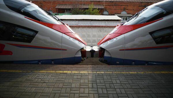 Торжественный запуск первого сдвоенного состава высокоскоростного поезда Сапсан. Архивное фото