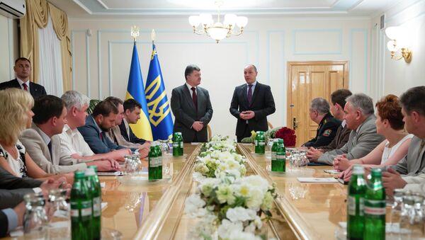 Петр Порошенко принял отставку Андрея Парубия с должности секретаря СНБО