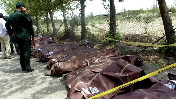 Тела погибших. Падение самолета Taban Airlines в Иране