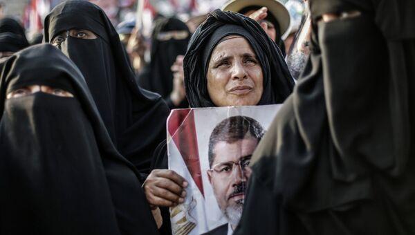 Выступления сторонников Мохаммеда Мурси в Каире. Архивное фото