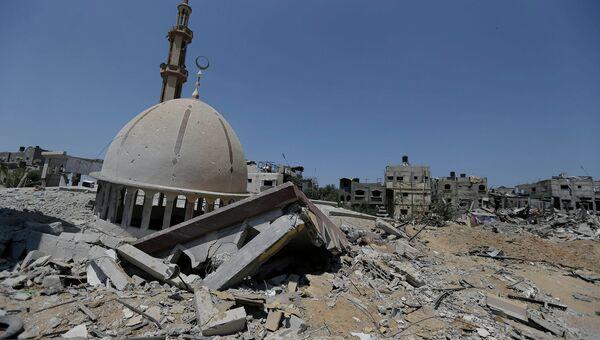 Разрушенная мечеть в горде Хан-Юнис на территории сектора Газа. Архивное фото