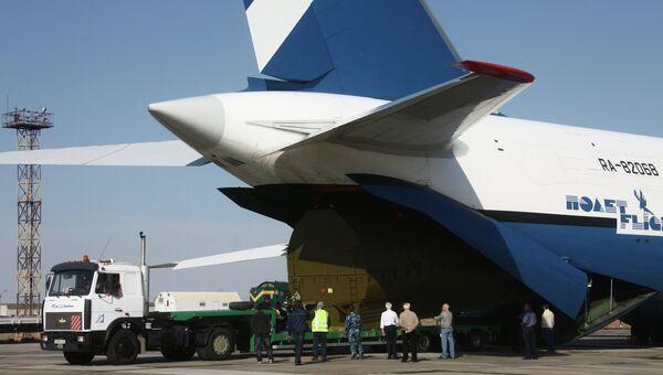 Самолет Ан-124-100 Руслан авиакомпании Полет. Архивное фото
