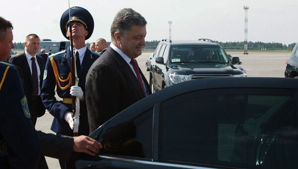 Президент Украины Петр Порошенко в аэропорту Минска