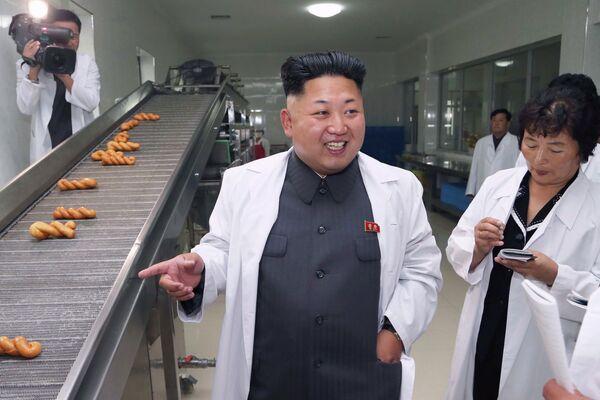 Ким Чен Ын на заводе корейской народной армии