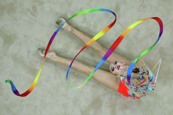 Гимнастка Ирина Анненкова на Летних юношеских Олимпийских играх