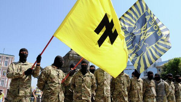 """Бойцы батальона """"Азов"""" перед отправкой на Донбасс. Архивное фото"""