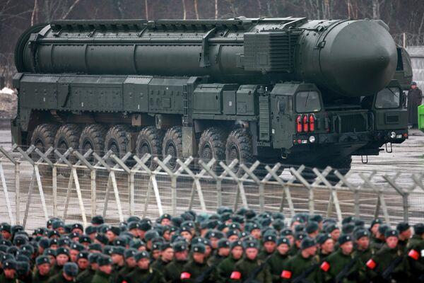 Установки ракетного комплекса Тополь-M во время подготовки к Параду Победы