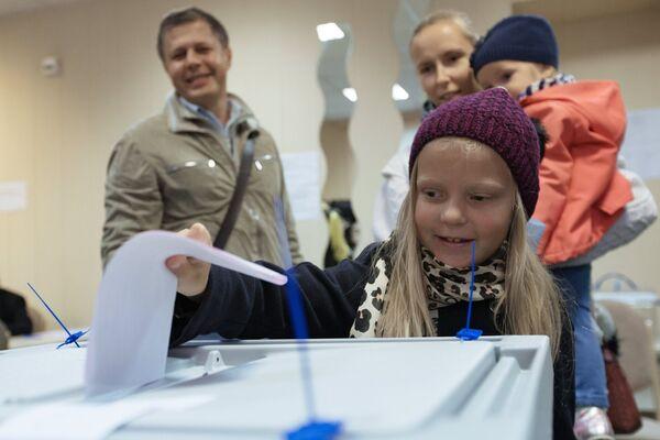 Жители участвуют в выборах губернатора Санкт-Петербурга