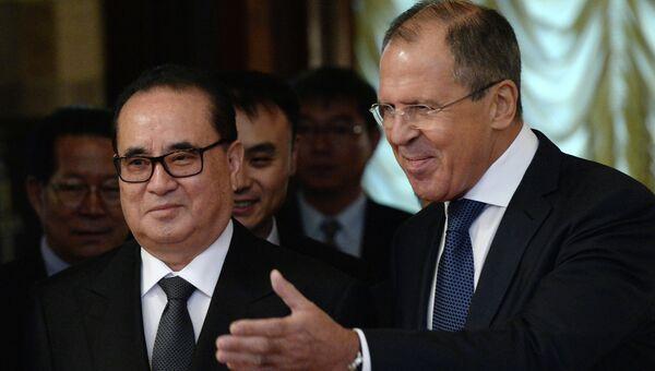 Встреча глав МИД РФ и КНДР С.Лаврова и Ли Су Ена