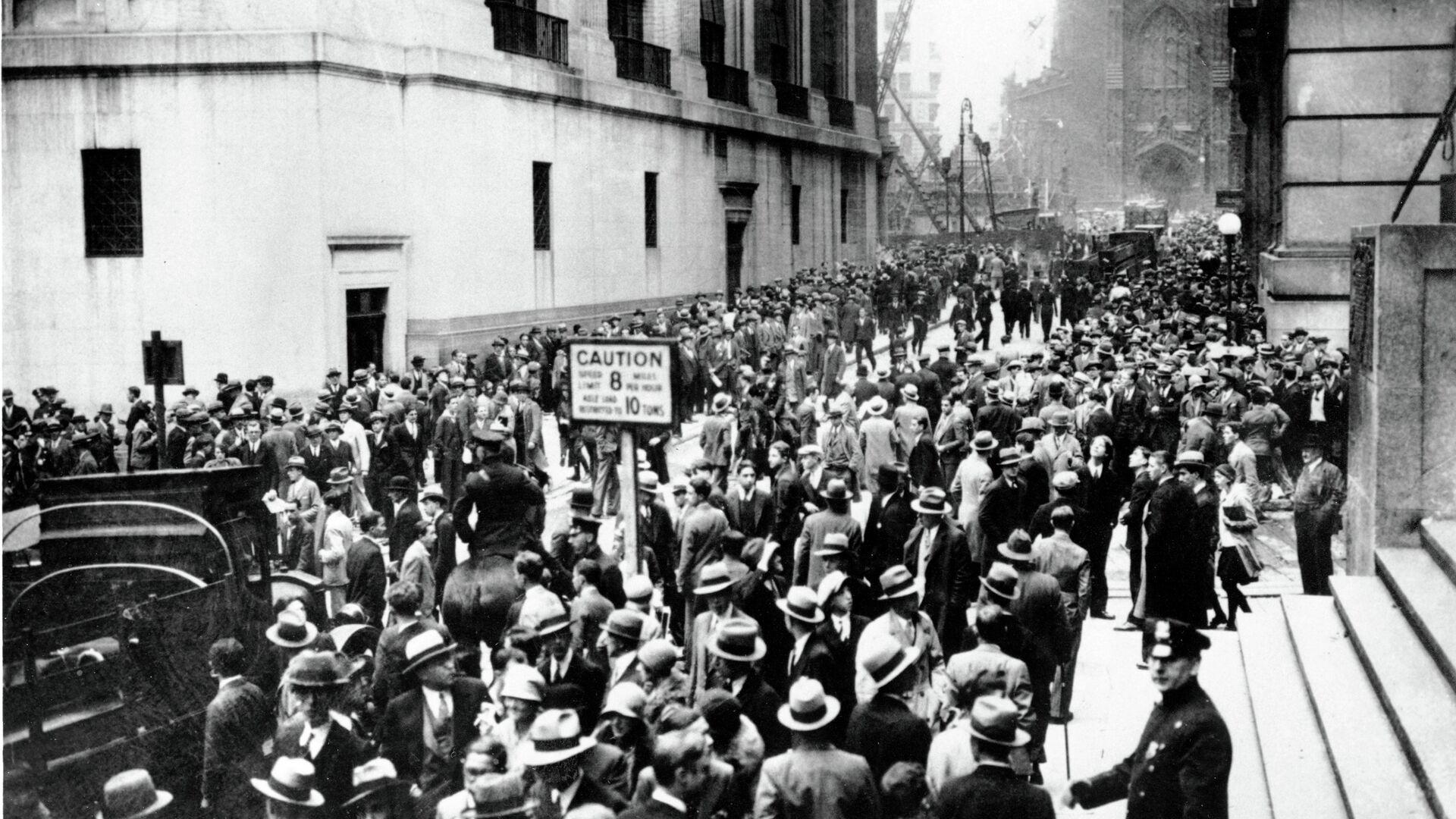 Толпа на Уолл-стрит в Нью-Йорке, США. 1929 - РИА Новости, 1920, 03.09.2020