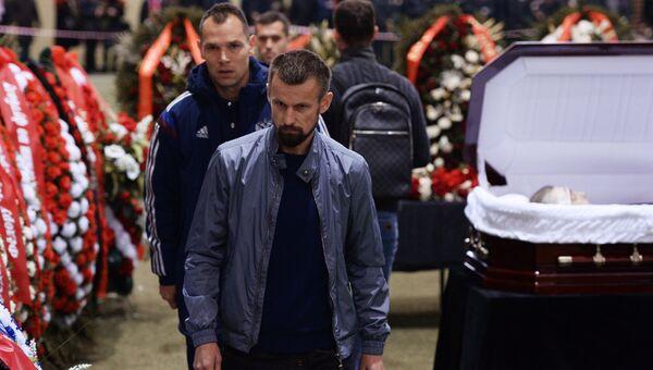 Церемония прощания с футболистом Федором Черенковым в Москве